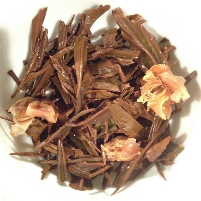 OP1 with Tea Flowers Infused Leaves