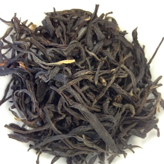 Hand-Rolled Fermented Purple Tea Dry leaves