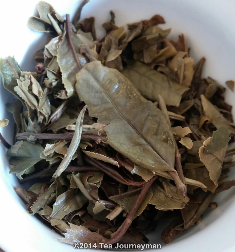 Organic White Peony Bai Mu Dan Tea Infused Leaves